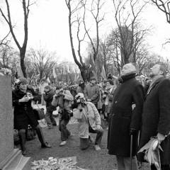 1989-02-16-Laisves-paminklo-atidengimas