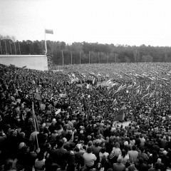1990-04-07-mitingas-Vingio-parke