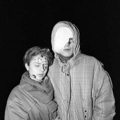 1991-01-13-nukenteje-prie-TV-boksto